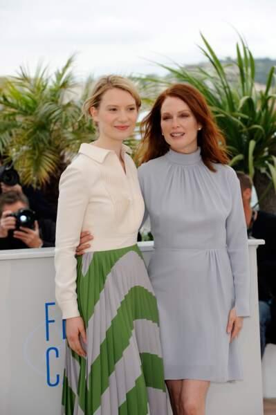 Mia Wasikowska et Julianne Moore