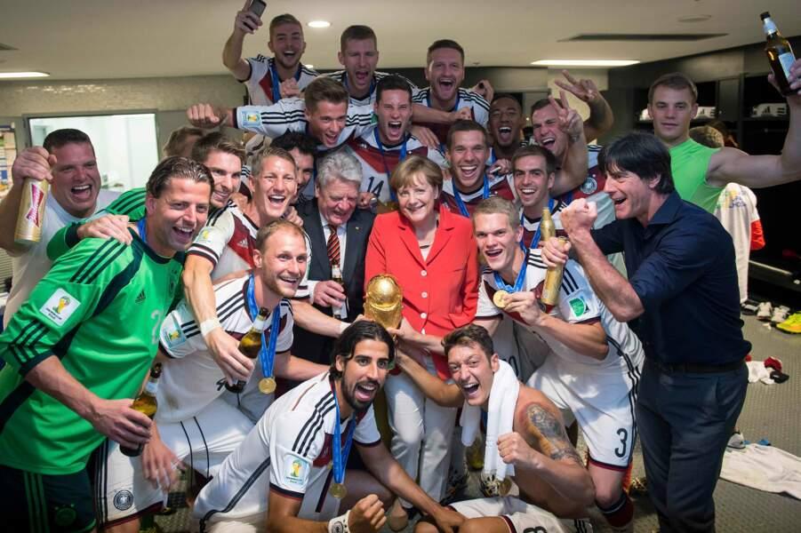 La chancelière Angela Merkel a fêté le sacre de l'équipe