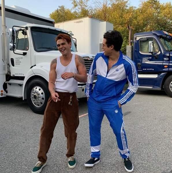 Archie et Reggie sont comme cul et chemise sur le tournage de la saison 4 de Riverdale !