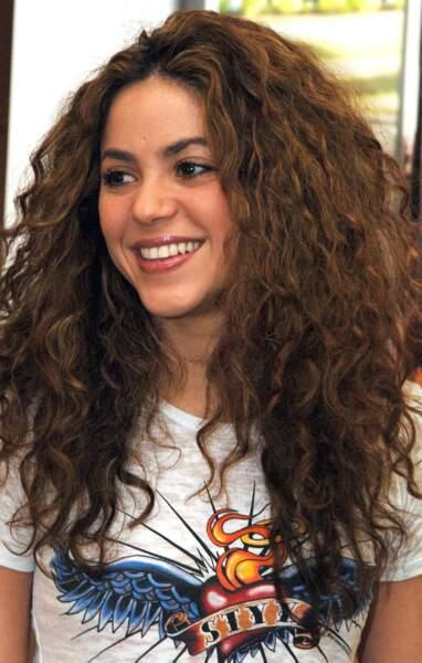 Oui, oui, Shakira était brune avant de connaître un succès international !