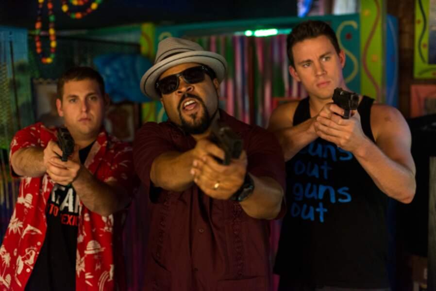Dans 22 Jump Street (2014) le duo de flics infiltrés dans une fac est de retour ! Et s'allie cette fois à Ice Cube.