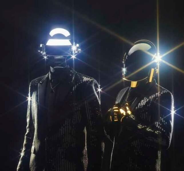 """Les deux membres du groupe DAFT PUNK, """"musiciens de l'année"""""""