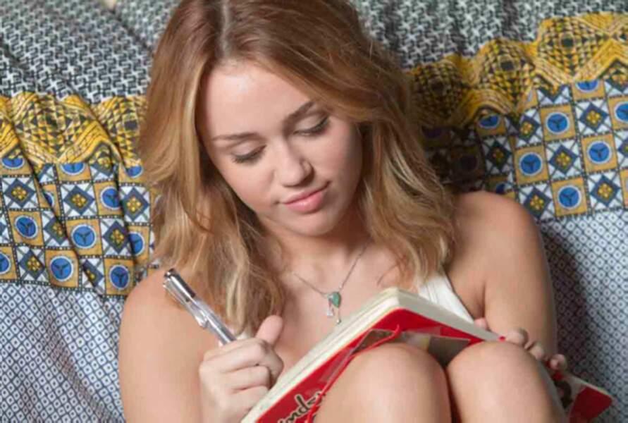 En 2011, Miley fait ses premiers pas au cinéma avec LOL USA.