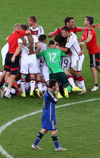 La joie des joueurs allemands et la déception de Lionel Messi…