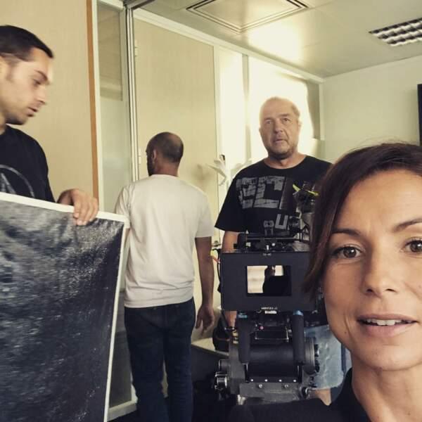 Jennifer Laureta une grosse journée en perspective sur le tournage de la saison 15 d'une famille formidable