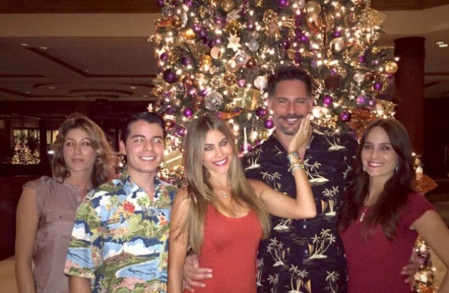 Sofia Vergara et Joe Manganiello n'ont pas seulement fêté Noël, ils se sont aussi fiancés !