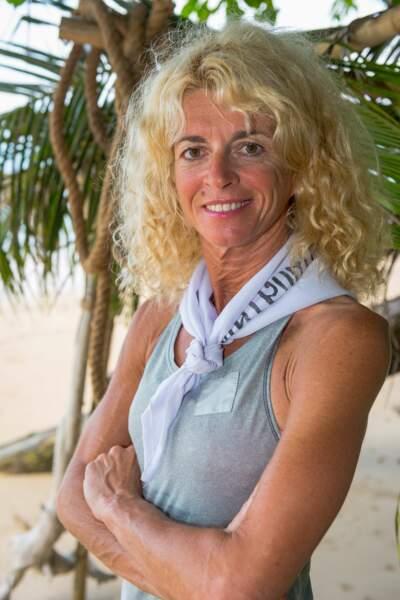 Carole a 51 ans et est escrimeuse