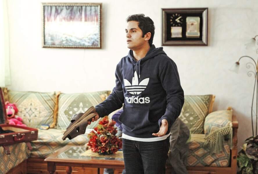 Malik Bentalha dans Né quelque part (2013)