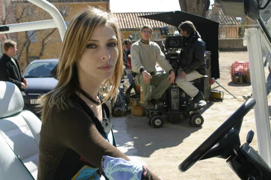 Avant d'arrêter Sous le soleil en 2008, elle s'absente du plateau pour d'autres apparitions