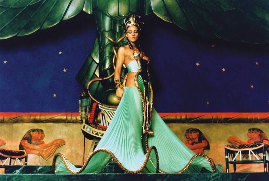 Monica Bellucci dans Astérix et Obélix mission Cléopâtre (2002)