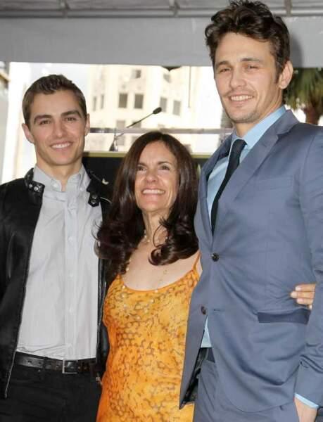 Dave et James Franco, accompagnés de leur mère