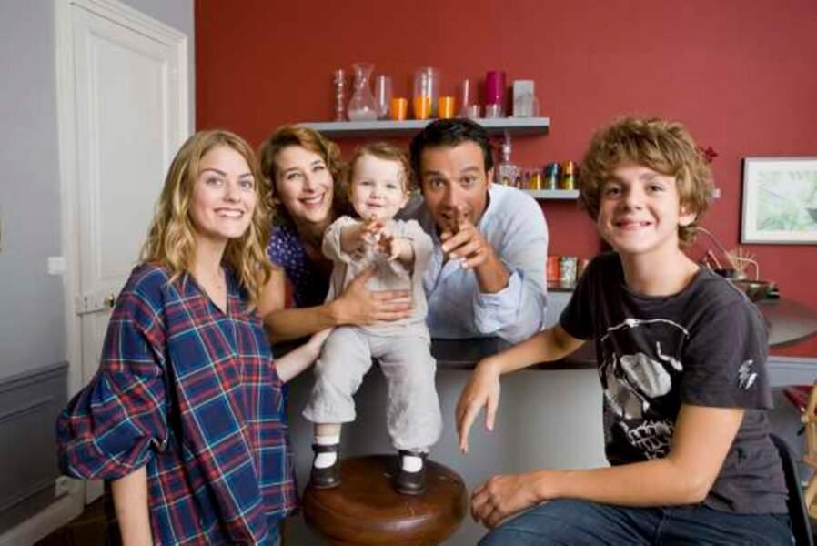 Salomé entourée de sa famille (saison 4)