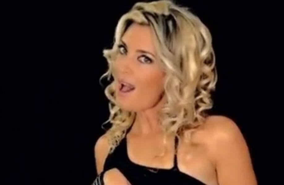 Ève Angeli, chanteuse