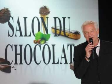 Défilé de stars en robes chocolatées au Salon du Chocolat