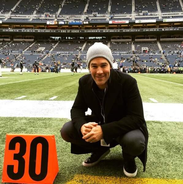 Noël au stade pour James Van Der Beek, pour soutenir les Seahawks