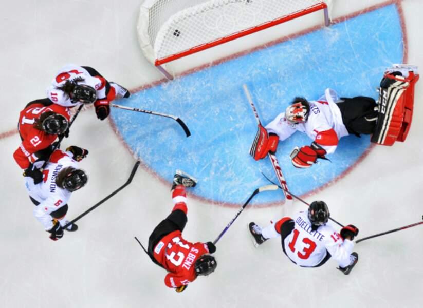 Le Canada bat la Suisse et se qualifie pour la finale (hockey sur glace, femmes)