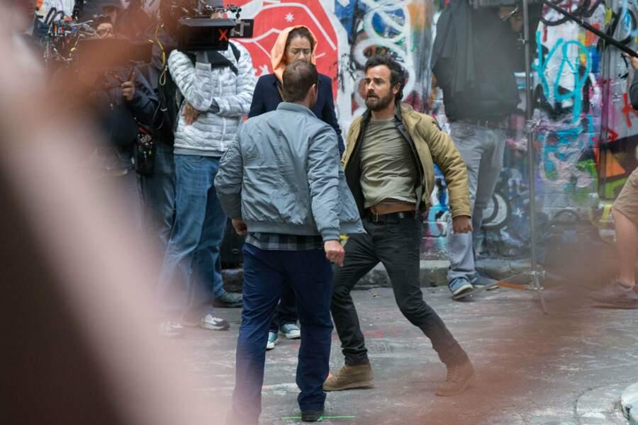 Justin Theroux en pleine bagarre pour une scène de The Leftovers