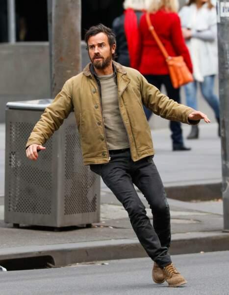 Course folle dans les rues de Melbourne (Australie) pour Justin Theroux et la série The Leftovers