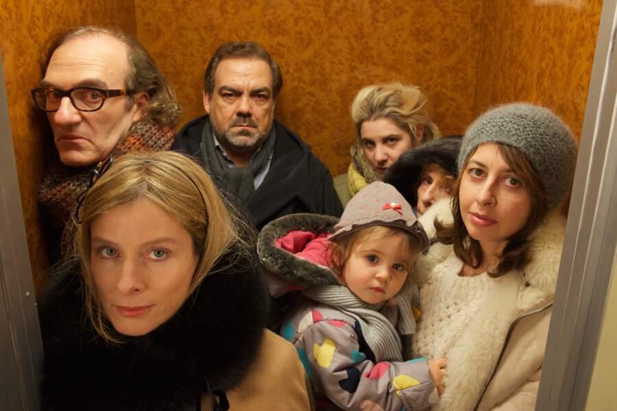 Bien entourée, ou plutôt coincée dans l'ascenseur ? Dans Le grand partage (2015)