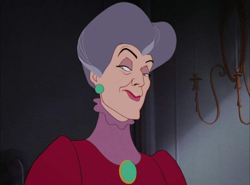 Dans Cendrillon, Lady Tremaine en fait voir de toutes les douleurs à la jeune héroïne