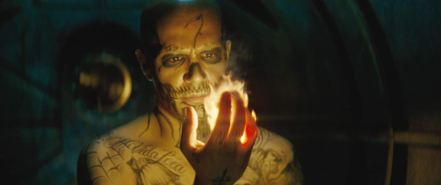 El Diablo (Jay Hernandez). Son arme ? Allumer le feu