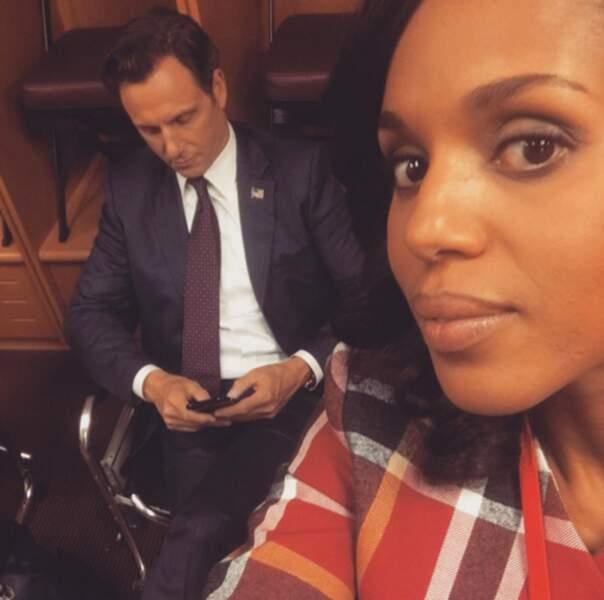 Mais Olivia (Kerry Washington) aime garder un œil sur Fitz (Tony Goldwyn). Lui ne le sait pas toujours !