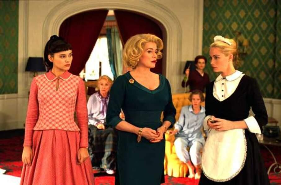 Virginie Ledoyen, Catherine Deneuve et Emmanuelle BŽart dans 8 Femmes (2002)