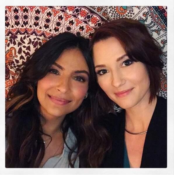 Allez on se reprend ! Il n'y a pas que Grey's Anatomy dans la vie : ici, Chyler Leigh et Floriana Lima de Supergirl