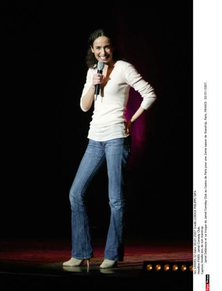 Amelle Chahbi, le charme sur scène
