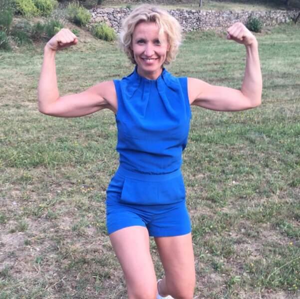 À 44 ans, l'actrice arbore un corps svelte et musclé !