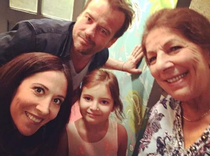Et les Français alors ? Fabienne Carat toujours aussi dingue de sa famille de Plus belle la vie..
