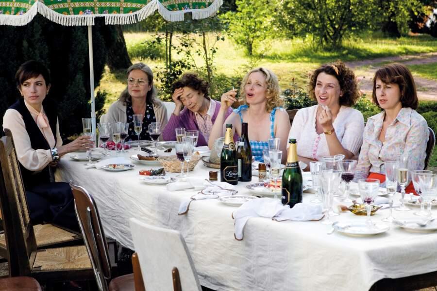 Repas de famille dans Le Skylab (2011) de Julie Delpy