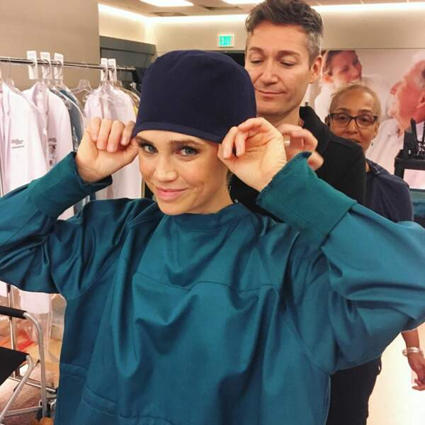 Le moment d'enfiler la tenue pour Fiona Gubelmann, l'interprète du Dr Reznick de Good Doctor
