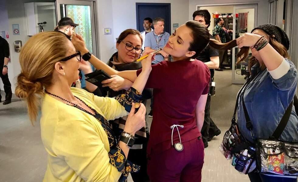 Du côté de Chicago Med, toute le monde est au petit soin pour l'actrice Torrey DeVitto