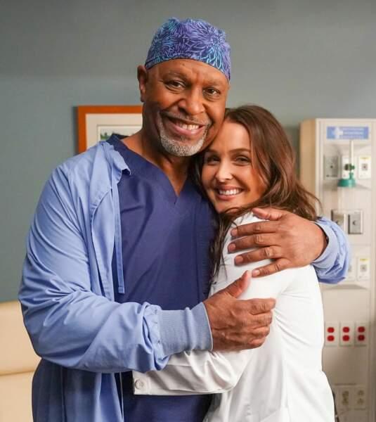 Si Jo n'est pas épargnée dans la série, son interprète, elle, garde le sourire