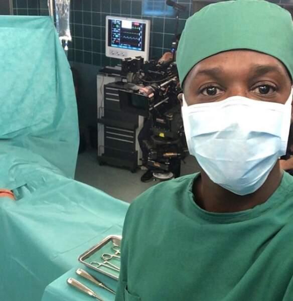 David Baïot sur le tournage d'H24, la nouvelle série médicale de TF1