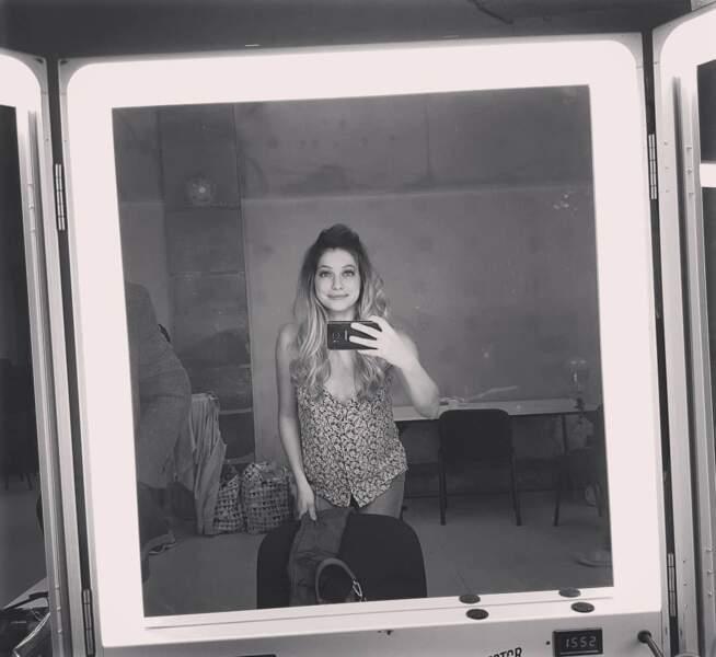 Le tournage de H24 a bel et bien commencé et Florence Coste se la joue noir&blanc