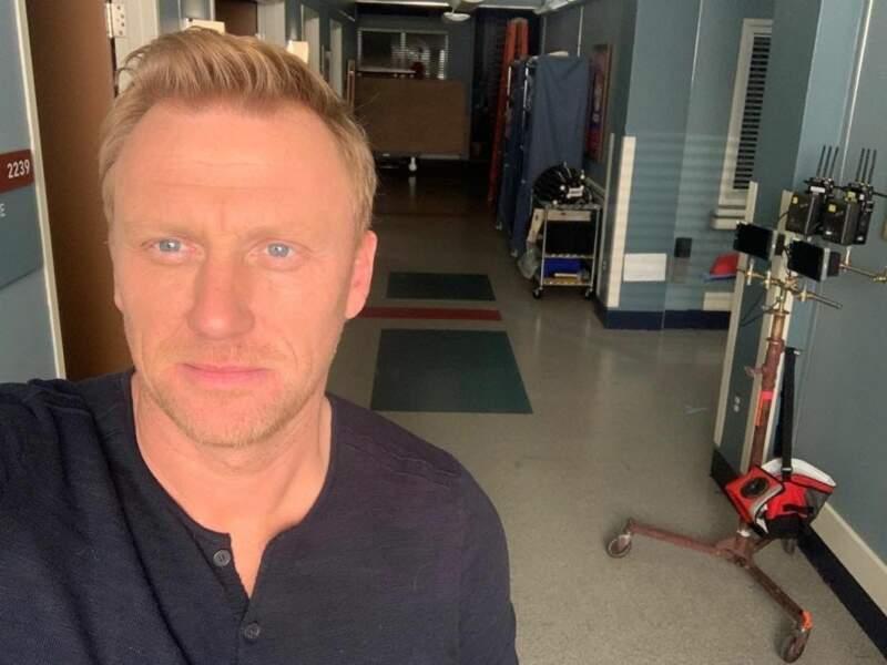 Du côté de Grey's Anatomy, l'ambiance est moins triste… Alors que Kevin McKidd ne se lasse pas de prendre des selfies…