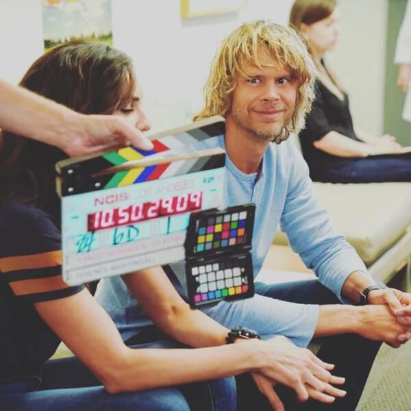 Eric Christian Olsen tout sourire sur le tournage de NCIS Los Angeles