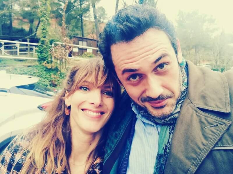 Passion selfie sur le tournage de Plus belle la vie : ici, Elodie Varlet et Emanuele Giorgi, alias Estelle et Francesco, très complices