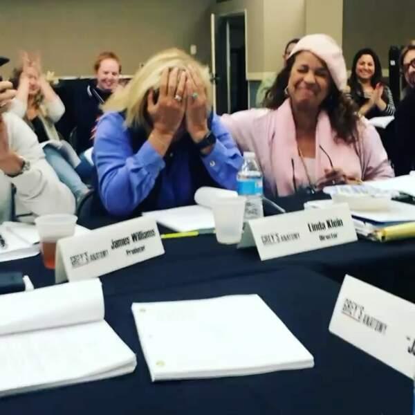 Emotion sur le tournage de Grey's Anatomy où l'infirmière et consultante Linda Klein a réalisé son premier épisode !