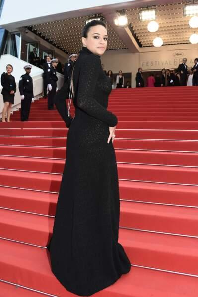 Choix de robe étonnant pour Michelle Rodriguez