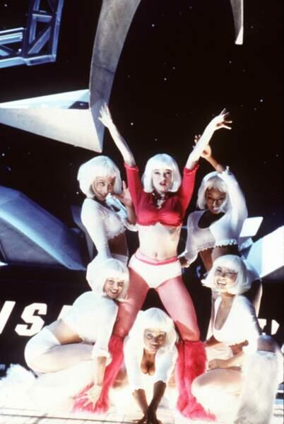 Toujours aussi sexy en 2000 dans Ready to Rumble
