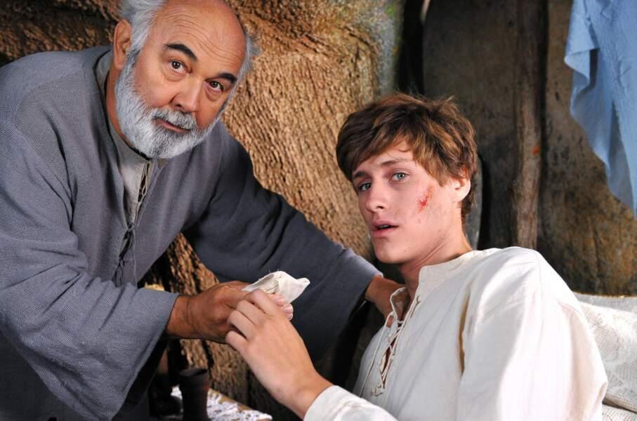 De nouveau en 2012, il tourne avec Gérard Jugnot dans Merlin, fiction de TF1