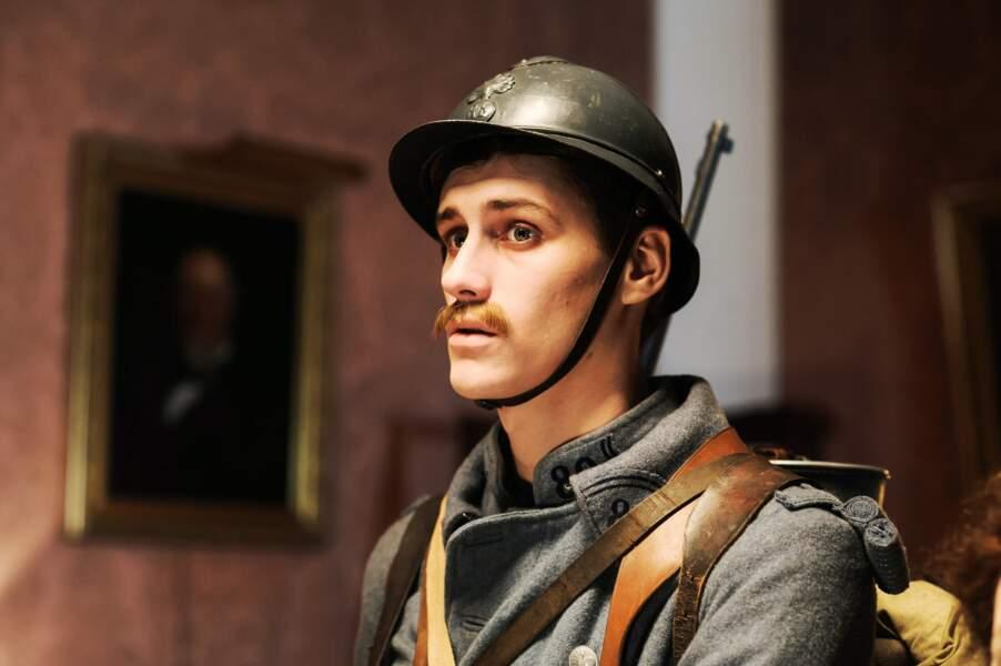 Dans Mes chers disparus (France 2), il incarne Alphonse, un revenant