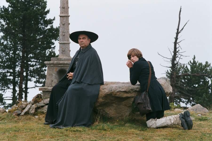 Dans L'Auberge rouge (2007), Jean-Baptiste Maunier retrouve Gérard Jugnot, son prof des Choristes
