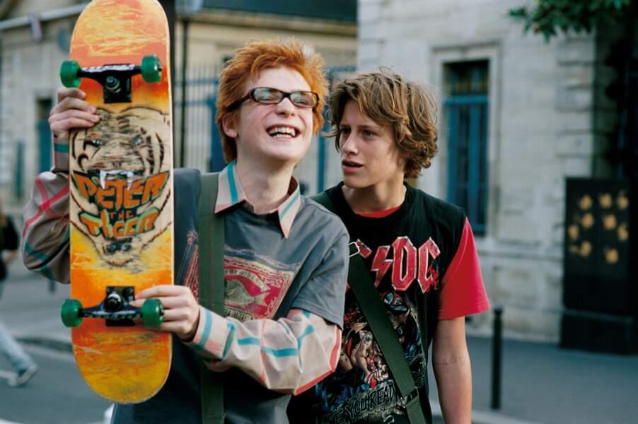 Dans Hellphone (2007), c'est un ado accro à son skateboard et à son portable