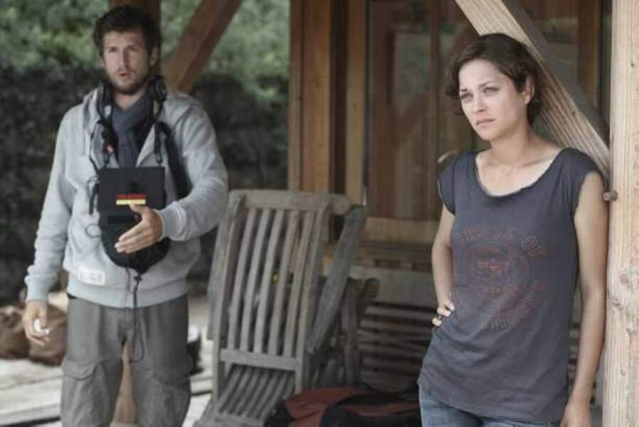Ils se retrouvent en 2010 sur le tournage des Petits Mouchoirs. Cette fois, Guillaume est derrière la caméra.