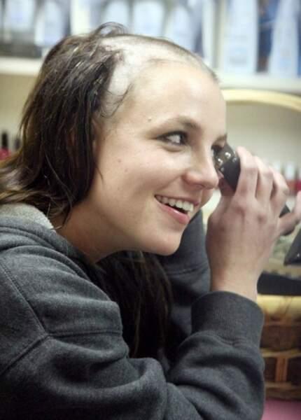 Britney Spears se rase le crâne en 2007