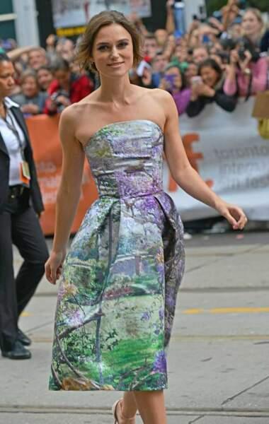 Keira Knightley dans une robe printanière